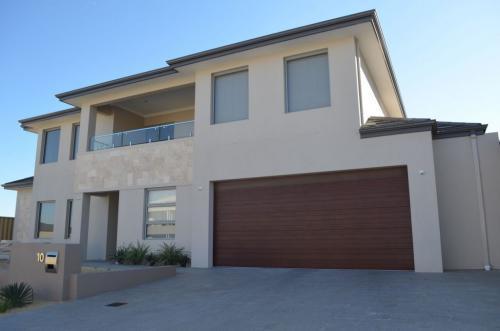 Custom-House-Build-Iluka